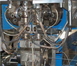 Линия изоляции труб экструдированным полиэтиленом посредством кольцевой экструзии